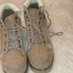 Ladies lugz boots